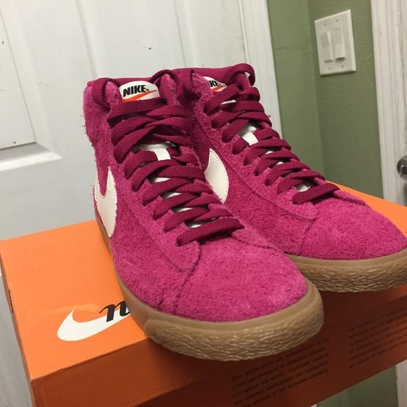 hot sale online 3e984 67abc Womens Nike Blazer Mid Suede Vintage sz 8 pink